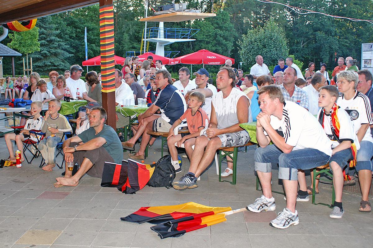 Fussball im Waldbad Alt Garge