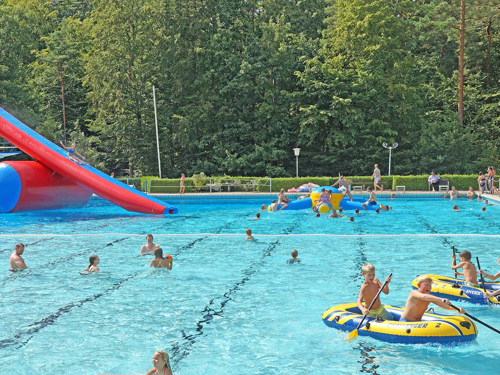 Kinderfest im Schwimmbad in Bleckede