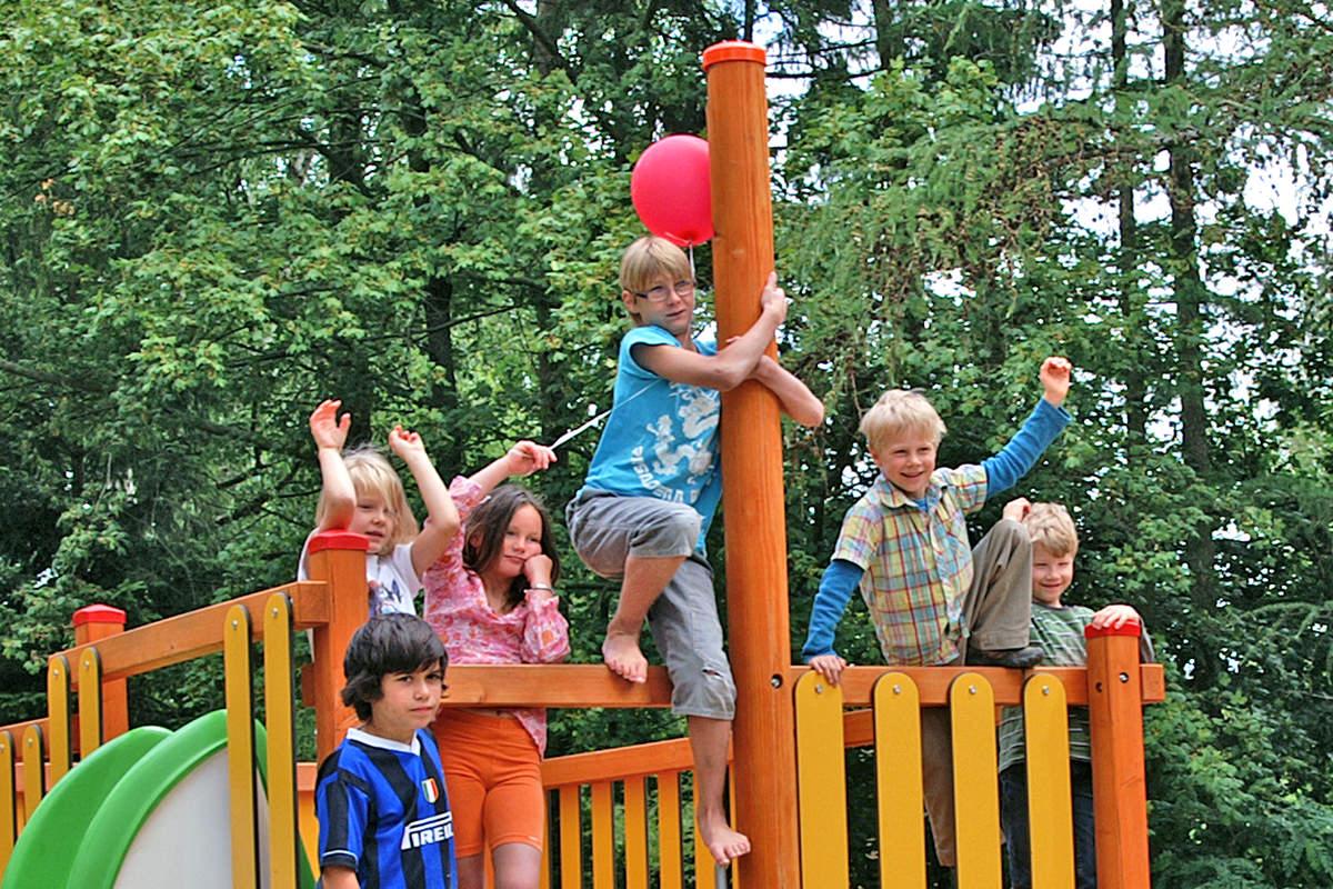 Spielplatz im Waldbad Alt Garge