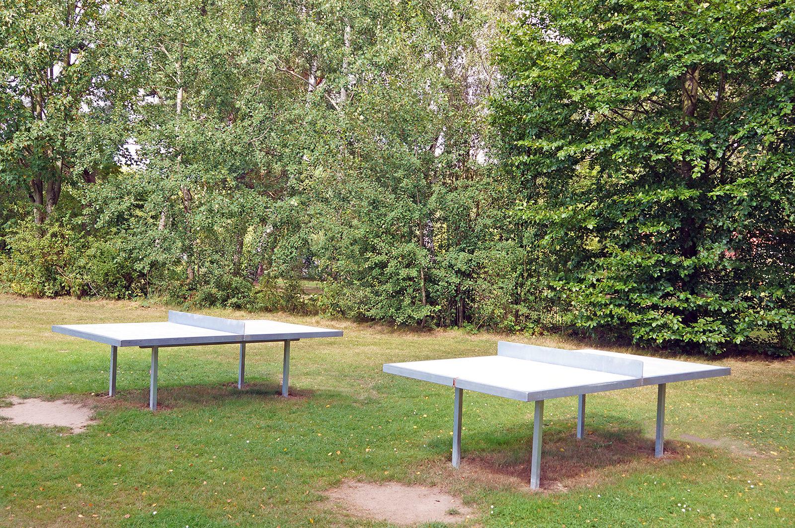Tischtennis spielen im Freibad in Bleckede